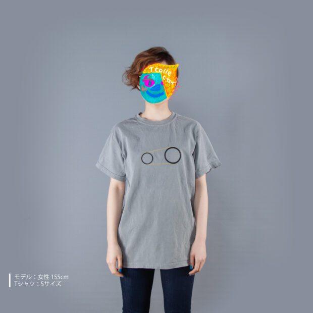 歯車Tシャツ女性モデル正面