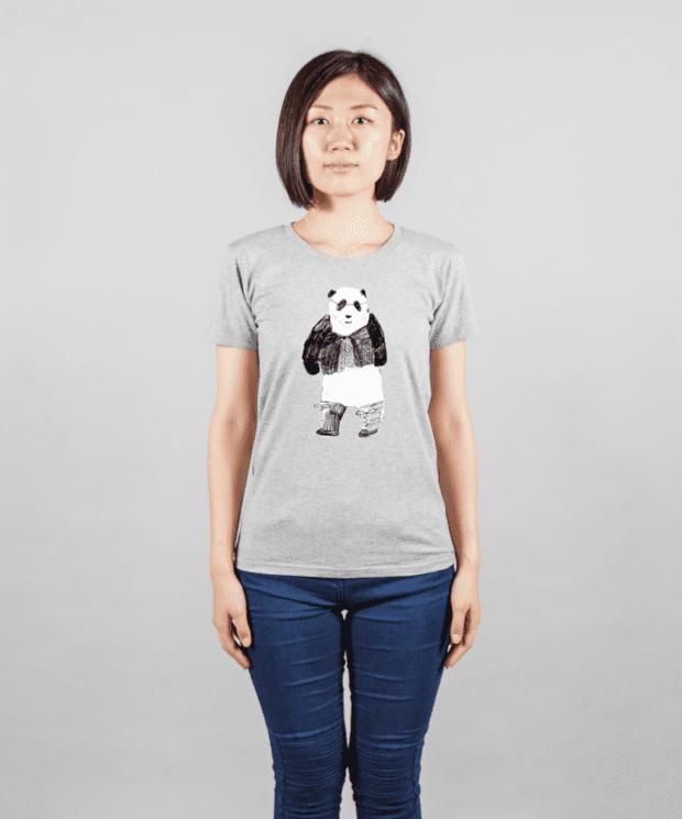 おしゃれパンダTシャツ女性モデル正面