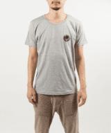 壊れた時計Tシャツ男性モデル正面