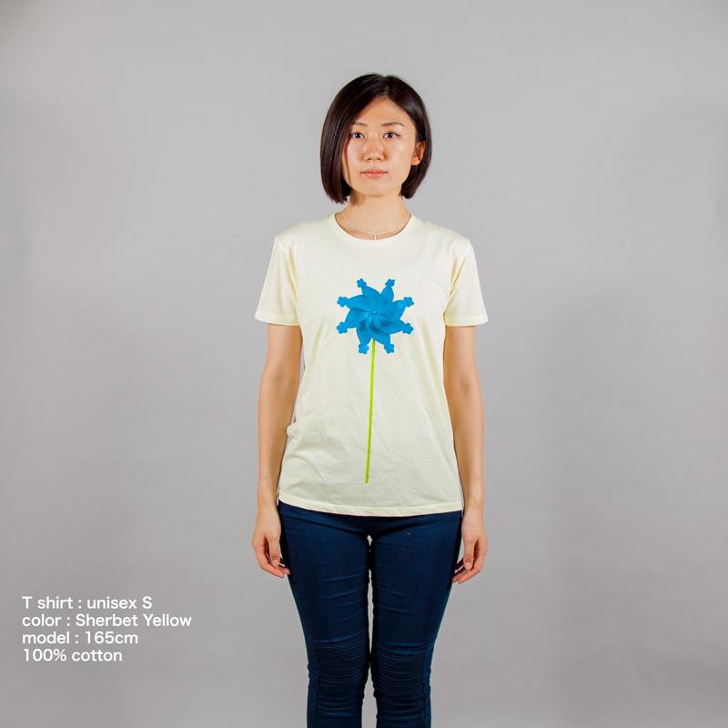 風車Tシャツ女性モデル正面