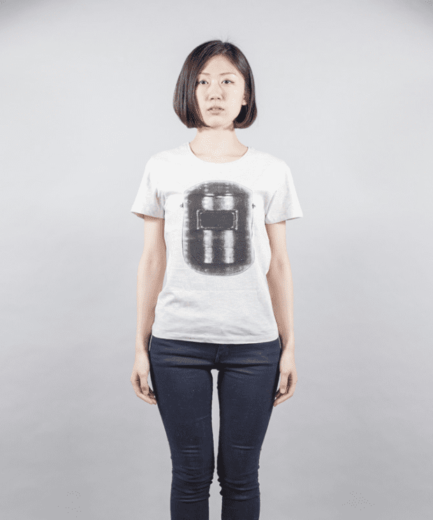 溶接工 デザイン Tシャツ 女性モデル正面