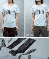出汁 おもしろTシャツ 女性モデル正面男性モデル正面