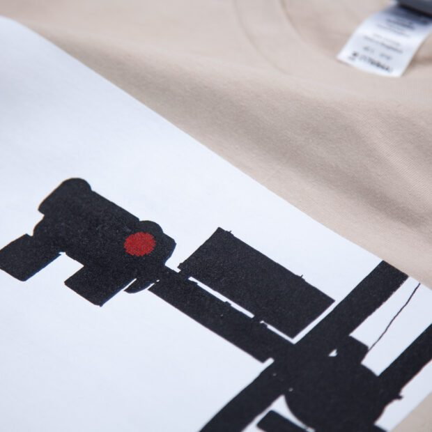 赤信号Tシャツ シルクスクリーン印刷 拡大