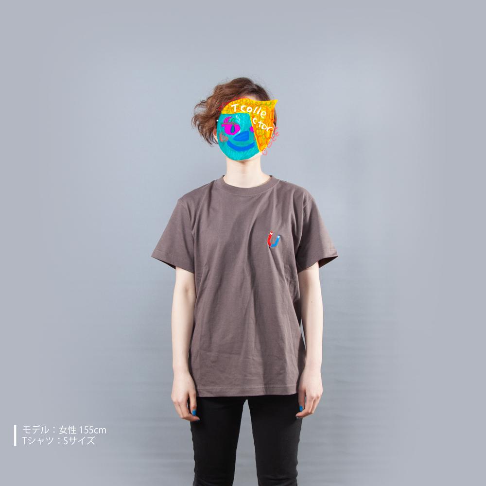 U字磁石 Tシャツ 女性モデル正面