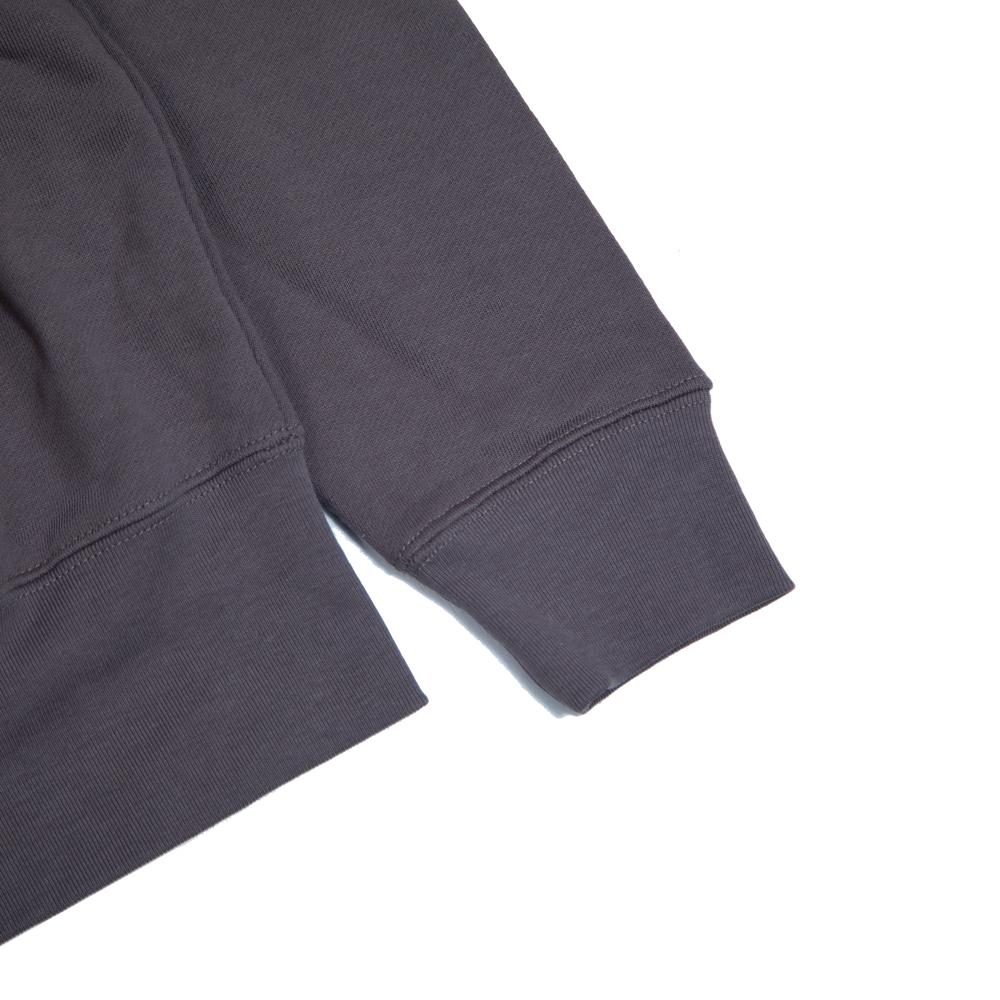 赤青鉛筆刺繍パーカー袖拡大図