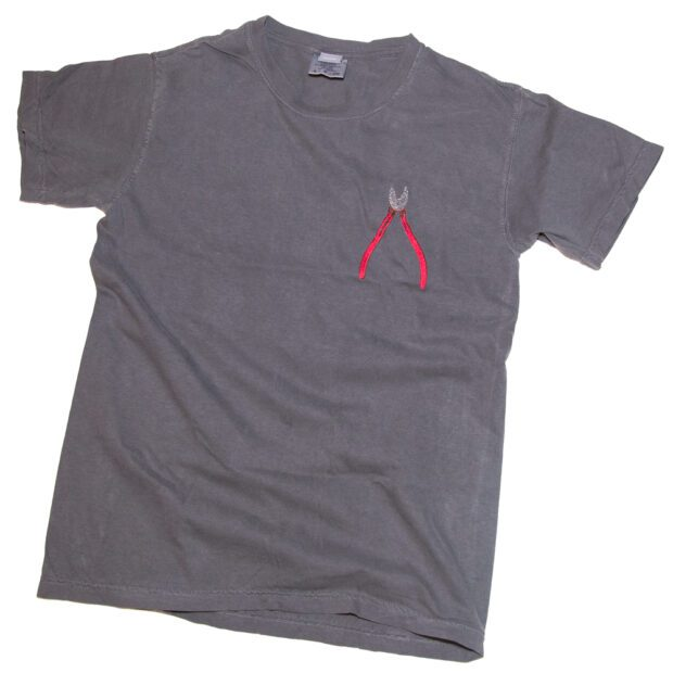 ニッパー 刺しゅう Tシャツ