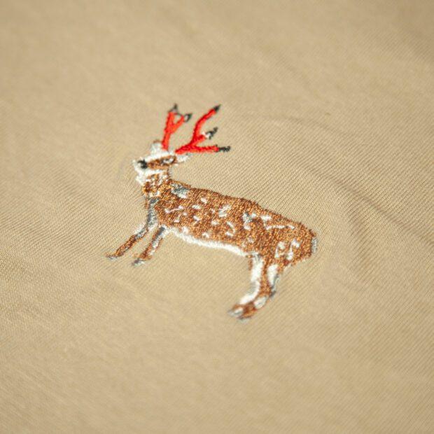 鉛筆角の鹿