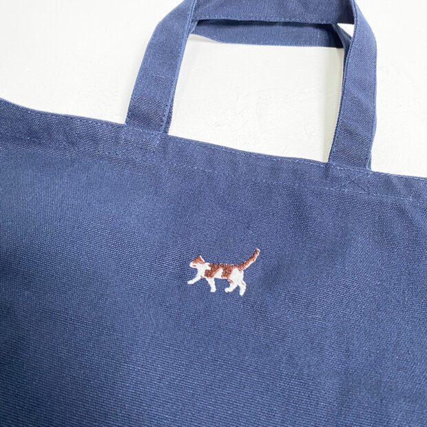 歩く猫刺繍