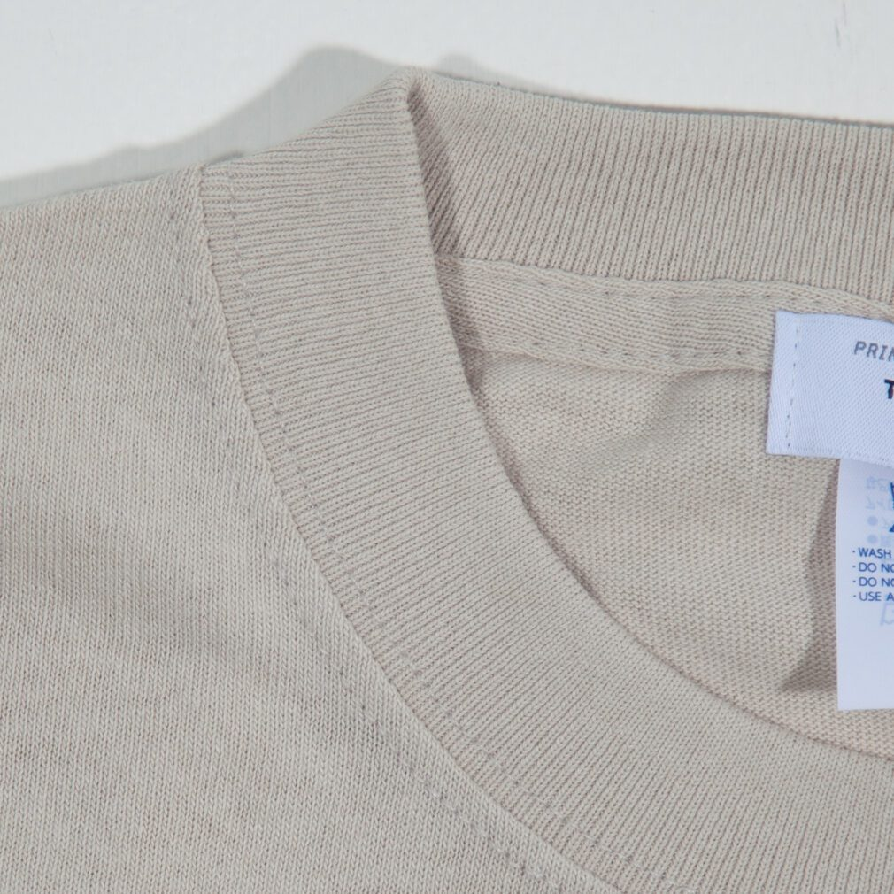 切手スタンプ刺しゅうTシャツ